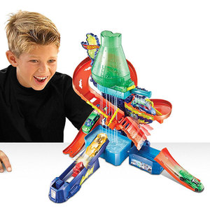 Image 5 - Hot Wheels Pista de coches eléctricos de ciudad para niños, Volcán de Escape, juguete de desafío, juego de coches para niños, Oyuncak Araba FTD61