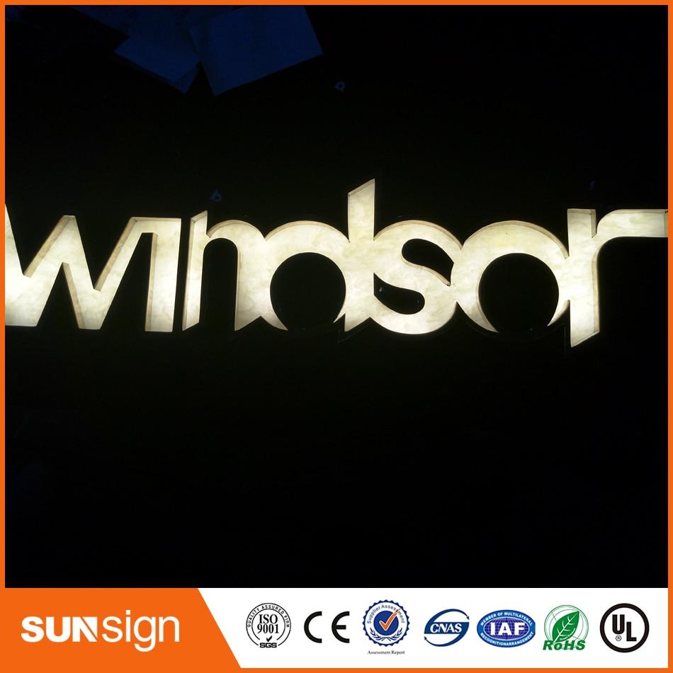 Sortie dusine miroir extérieur en acier inoxydable personnalisé publicité panneau LED avec lettres
