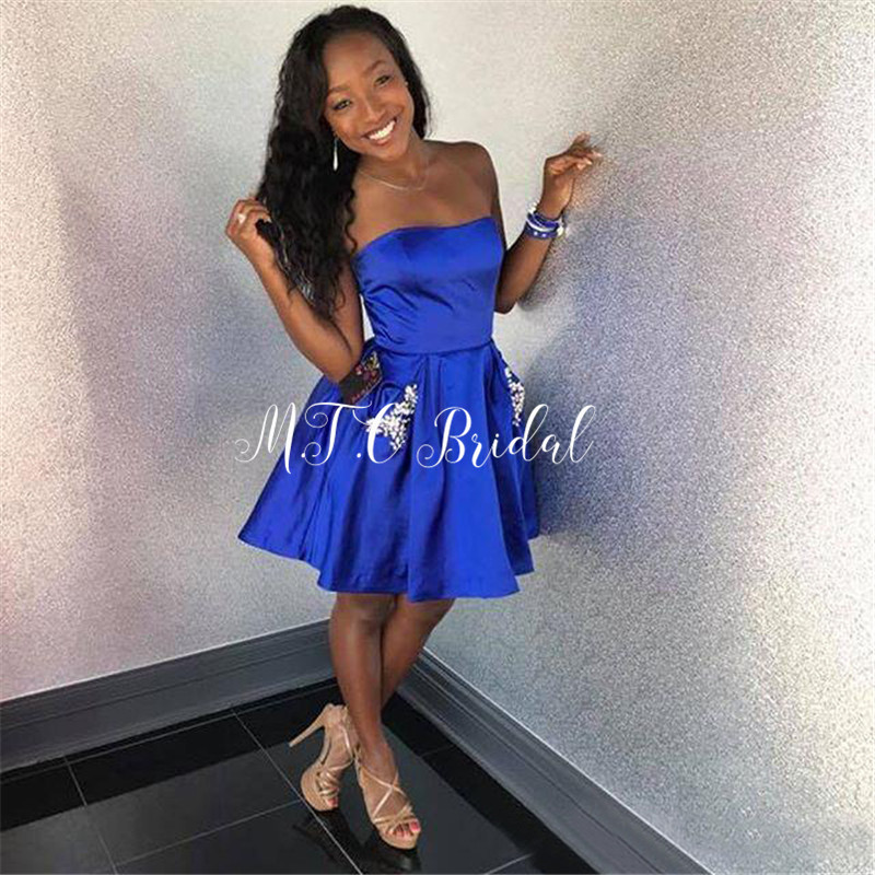 Courtes robes De bal bleu Royal 2019 sans bretelles longueur genou cristaux Satin Sexy robes De soirée Robe De soirée pas cher