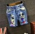 2016 Niños Del Verano Pantalones Vaqueros Cortos con Agujero de Mezclilla Chicos pantalones cortos Niño Niña de Dibujos Animados de Mickey Pantalones Cortos para Niños niños 2-7años