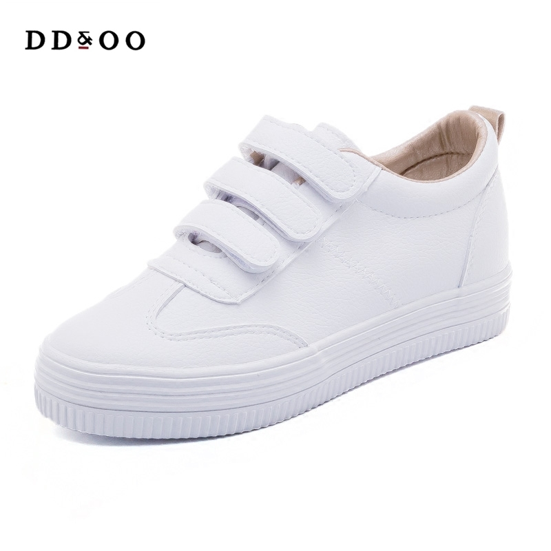 2019 nouvelle mode chaussures pour femme solide couleur décontracté haute plate-forme a augmenté dans solide PU cuir femmes décontracté blanc sneakers