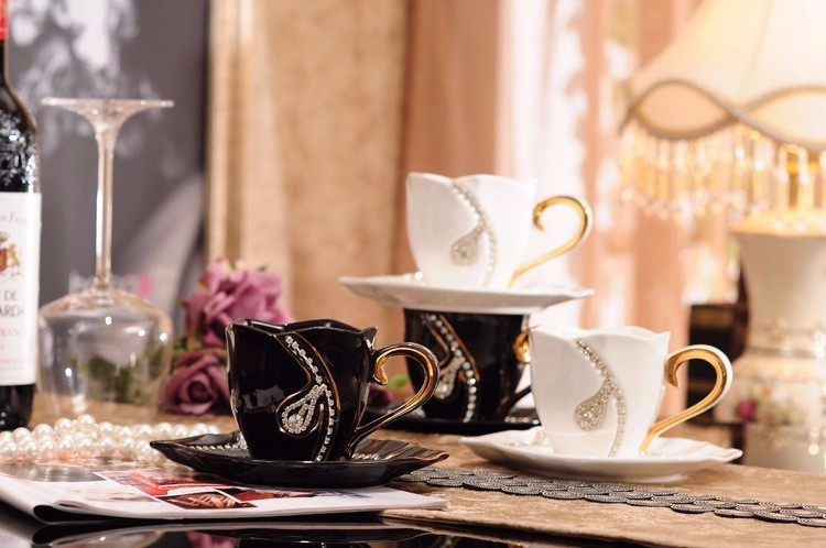 Diamonds Design Coffee Mug 3