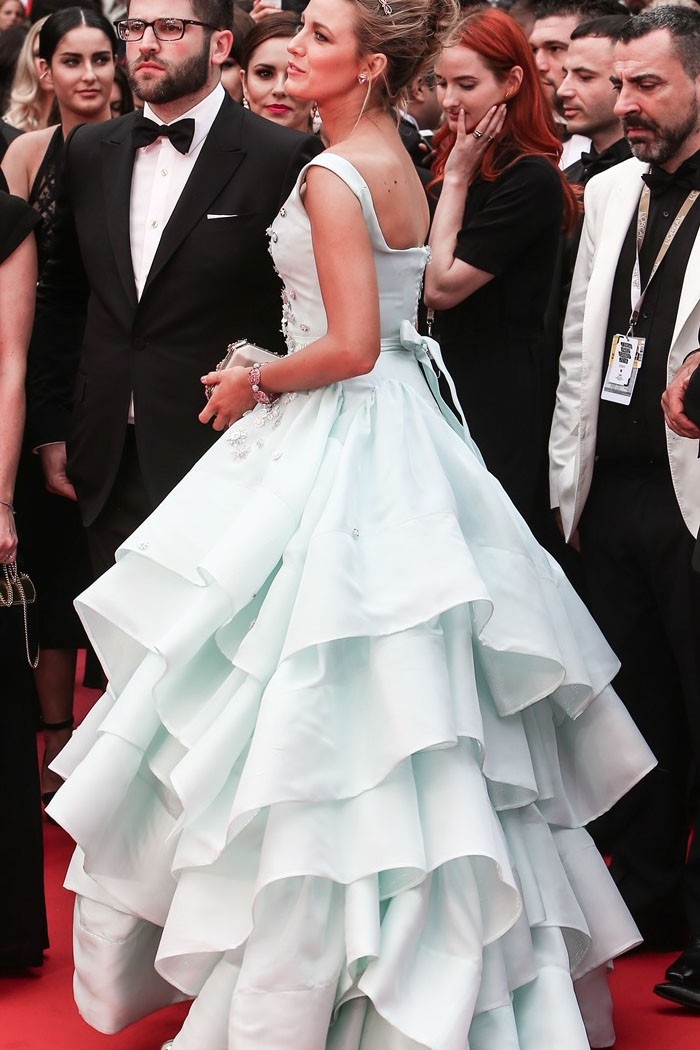 blake-lively-blue-prom-dress-cannes-2016-4