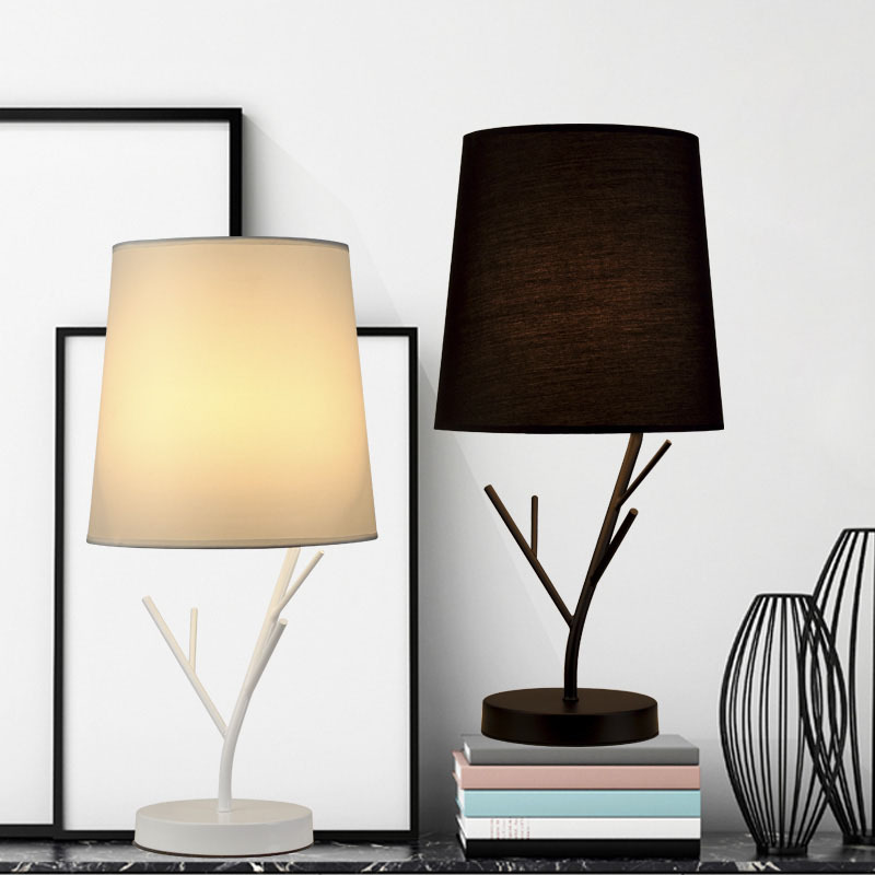 2018 New Design Bedside Table Lamp Minimalist Metal Table Lamp Bedside Desk Lamp with Fabric Shade for Bedroom living room стоимость