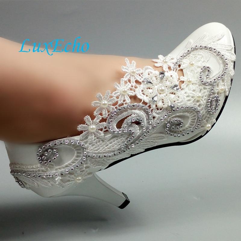 цена на Round Toe White lace Flower shoes women's Pumps Fashion Bridesmaid Dress shoes Bride wedding shoes Big size 34-42 Party shoes