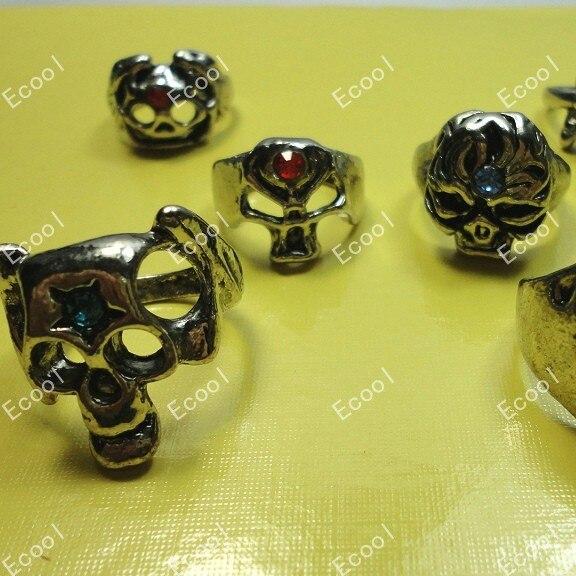 20Pcs Fashion Punk Rock Skull With Rhinestone Antique Silver Rings For Women Man Whole Jewelry Bulk Packs LR014 Free Shipping