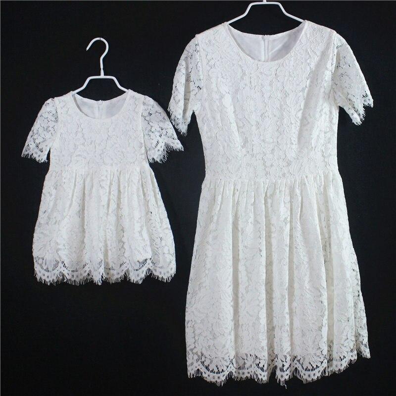 Famille correspondant tenues manches courtes blanc rouge enfants filles paternité jupes maman et fille dentelle robes mère et enfants robe