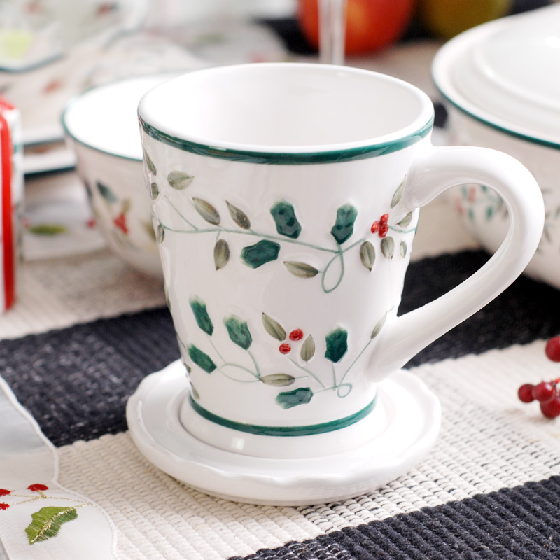 Europe handpainted cameo <font><b>Common</b></font> Holly Berry ceramic <font><b>cups</b></font> and mugs with lid/handgrip porcelain drinkware milk tea coffee <font><b>cup</b></font> mug