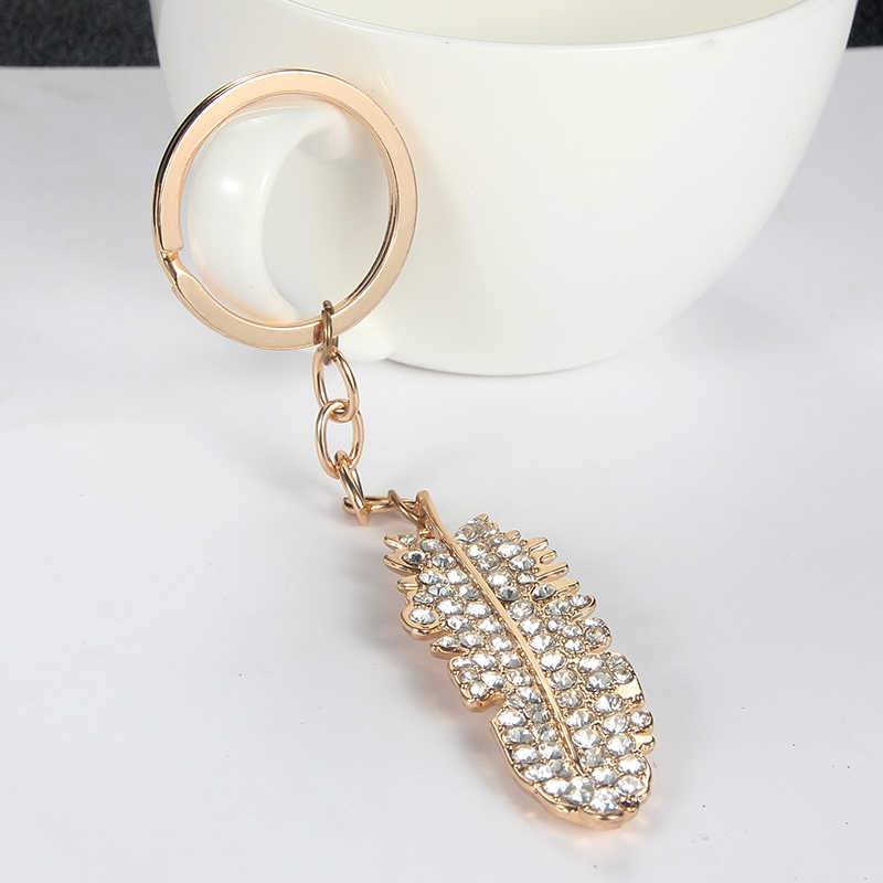 SUKI Gold Color Feather Dangle Keychain Clear Crystal Rhinestone Keychain Ring Holder for Car Bag Pendant Tribe Accessories
