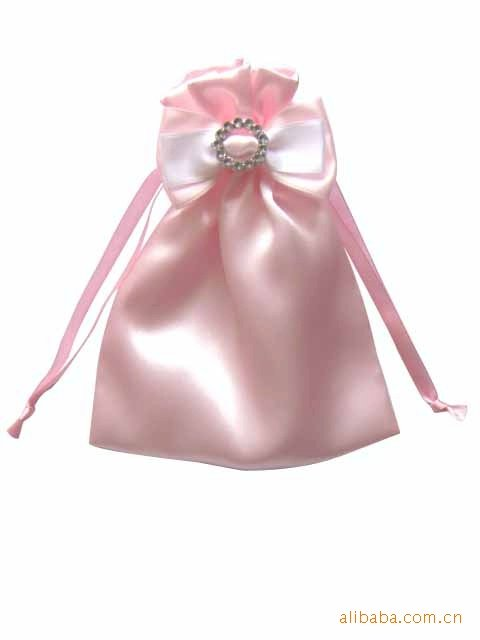 Satin-drawstring-bag-for-small-gift.jpg