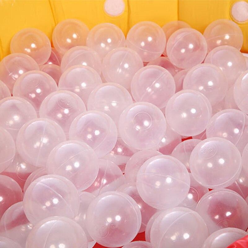 фото с пластиковыми шариками в что