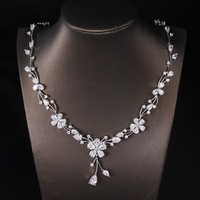 Hot European Design AAA CZ Simple Delicate Leaf Flower Short Necklace And Earrings Jewelry Set Bridal