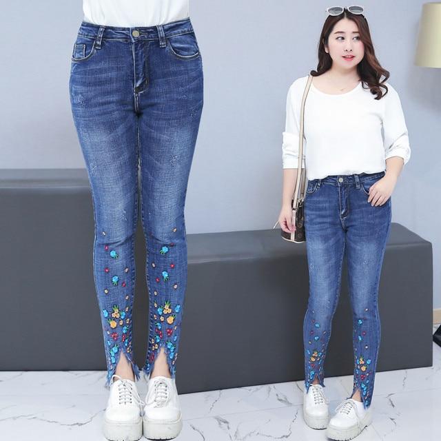 69e6f0b77d262 Grande taille 4XL broderie Jeans Femme 2019 printemps été taille haute  déchiré Jeans Denim Pantalon femmes