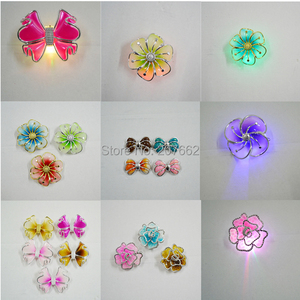 Image 5 - จัดส่งฟรี 12 ชิ้น/ล็อตRGB LED Light Upกระพริบดอกไม้คลิปผมตกแต่งผีเสื้อLEDกระพริบผมคลิป