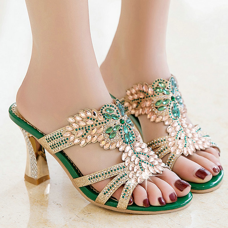 ФОТО AIWEIYi Big Size 32-46 Green Gold Rhinestone Sandals Fashion Outside Girls Female Lady Women Summer Slippers Flip Flops