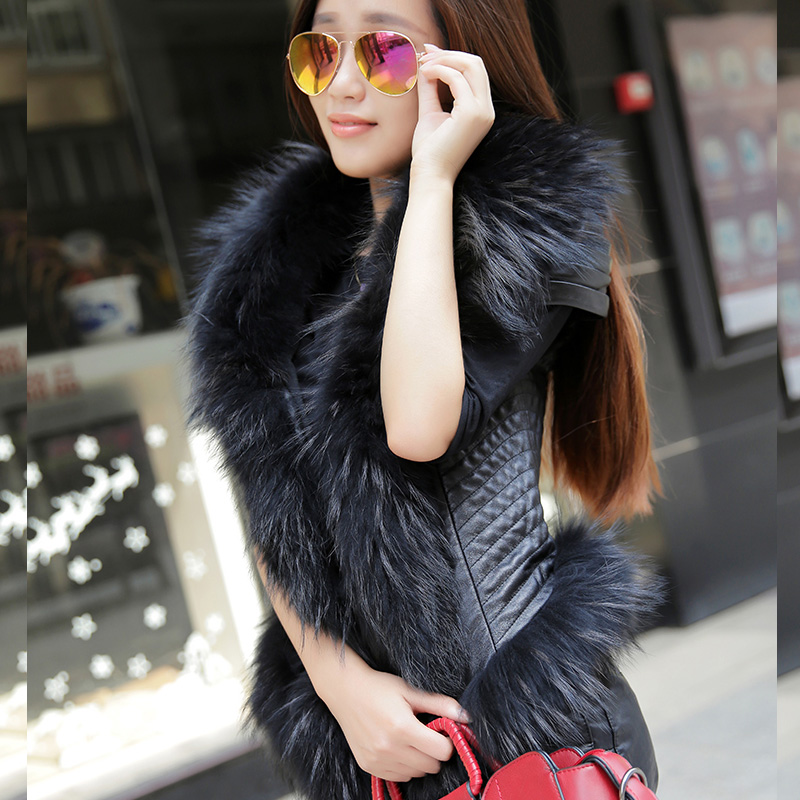 FREE SHIPPING 2016 New Women Spring Black Leather Vest Genuine Sheepskin Racoon Fur Collar Fashion Short