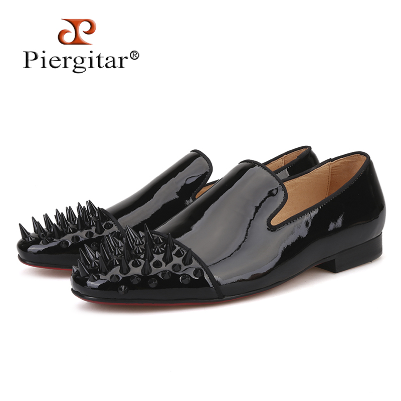 Piergitar 2018 new Black Patent leather men loafers with Black long and short rivet toe Fashion Prom and Party men flats shoes new fashion gold snakeskin pattern loafers men handmade slip on leather shoes big sizes men s party and prom shoes casual flats
