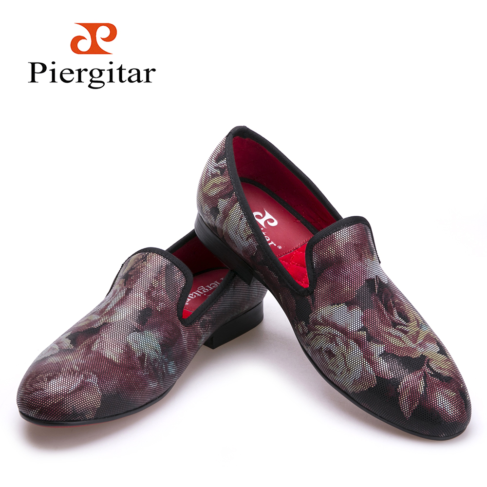 Fashion flower pattern men loafers red insole and red bottom men shoes Party and Wedding men dress shoes  men's flats men loafers paint and rivet design simple eye catching is your good choice in party time wedding and party shoes men flats