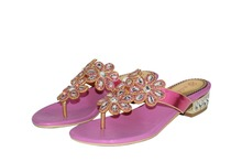 Rnyan New Fashion Women's Flat Flip Flops with Crystal Ladies Rhinestone Summer Flip Flops Women Shoes 2 color Plus size 33-44