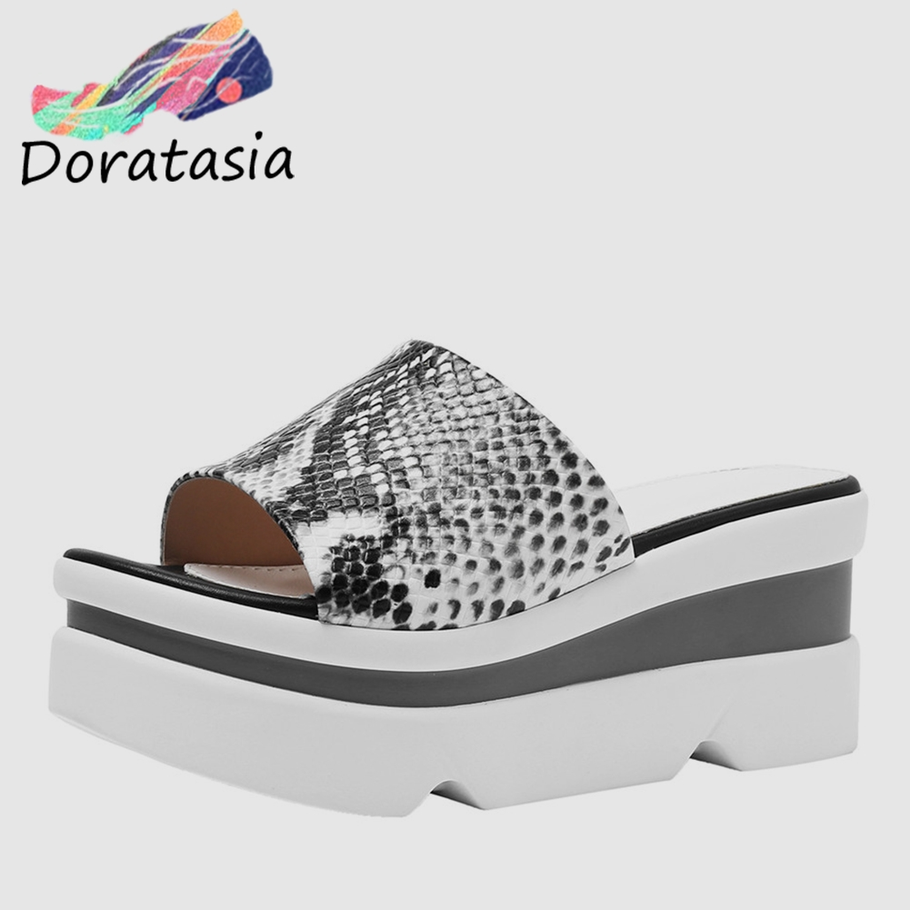 DORATASIA New Fashion INS Hot Luxury Snake Veins Ladies Wedges High Heels Shoes Woman Casual Outside Summer Slippers 2019DORATASIA New Fashion INS Hot Luxury Snake Veins Ladies Wedges High Heels Shoes Woman Casual Outside Summer Slippers 2019
