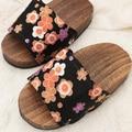 2017 Summer women Sandals Japanese Clogs Geta Wooden Slippers Cosplay Women Bench Geta Flat Heel Slippers Shoe high quality