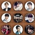 KPOP EXO EXO-K EXO-M Youpop Amor Me Right Álbum K-POP Pin Insignia Broche Accesorios De Ropa Sombrero Mochila Decoración HZ1626