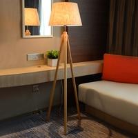 Nordic гостиная диван, лампа спальня исследование простой твердой древесины освещения Творческий Три стопы сад торшер фортепиано номер освещ