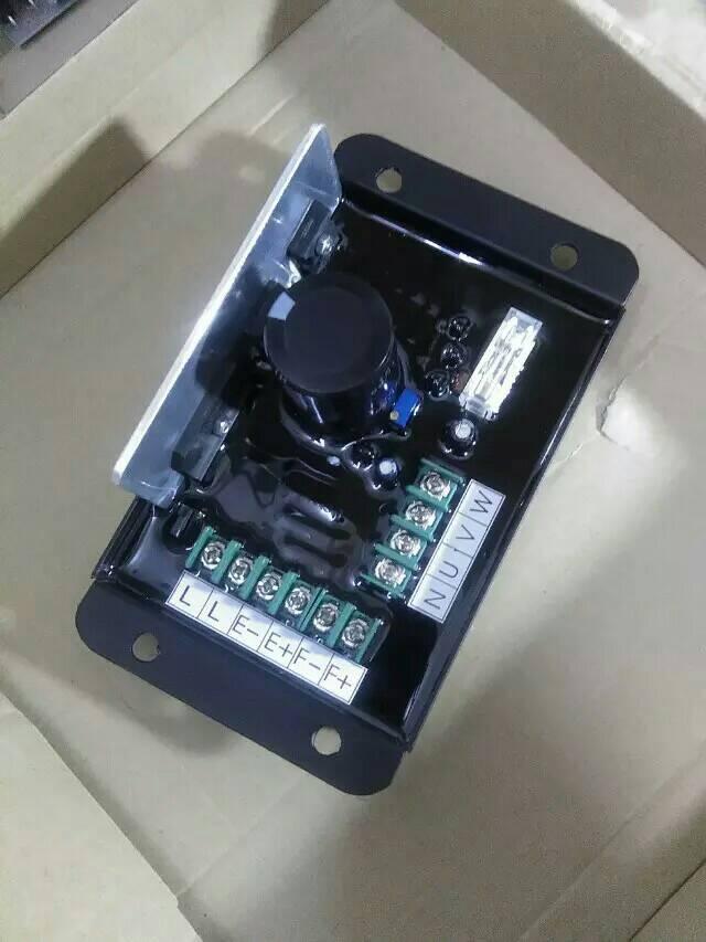 bf0f7171b36bef 8.5KW 15KW 20KW 3 Phase Essence Diesel Générateur AVR Geneerator Partie