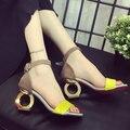2016 Novas mulheres da Moda Bombas Dos Saltos Altos Sensuais Sandálias Peep toe de Salto quadrado de Salto Alto Sapatos de Noiva das mulheres