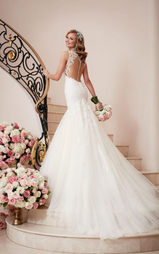 Vestidos de novia 2019 Elegant V-Neck Mermaid White Wedding dresses Plus Size Sleeveless Sheer Back Bridal Dress Robe de mariage