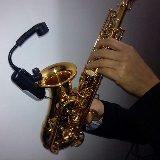Baomic BM-5/V2 Wireless Microphone Dedicated For Saxophone Professional UHF Wireless Instrument Amplification System