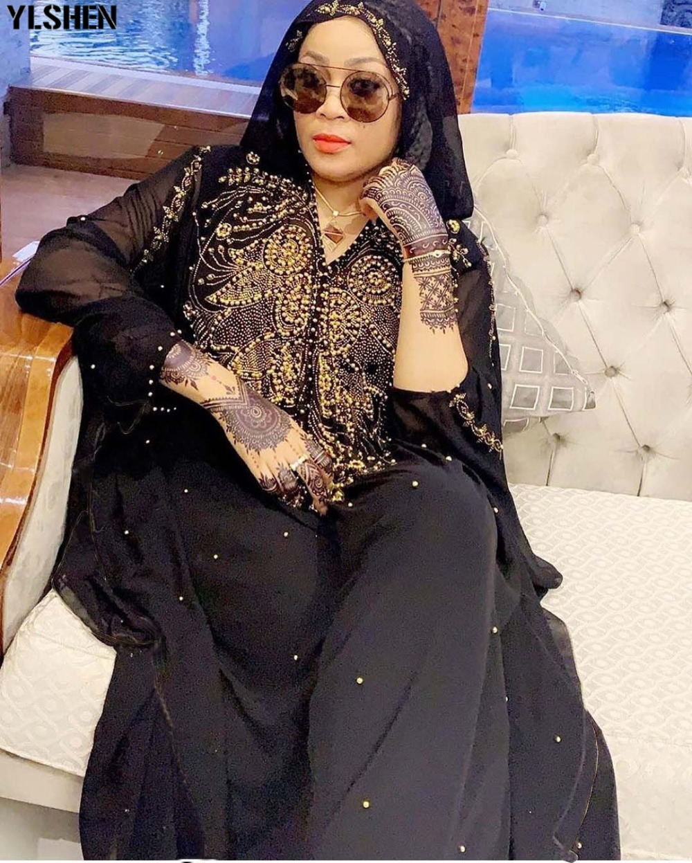 Dashiki African Dresses for Women 2019 New African Clothes Diamond Beads Abaya Dubai Robe Evening Long Muslim Dress Hooded Cape 01