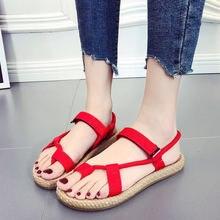 b70d739a3 Mulheres sandálias flat com 2018 verão novo aluno Coreano selvagem praia  sandálias sapatos Roma mulheres sapatos