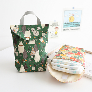 Lightweight baby Diaper Bag Travel baby Snack Storage Bag bottle milk Powder tote Bag cute Duck Mummy Bag