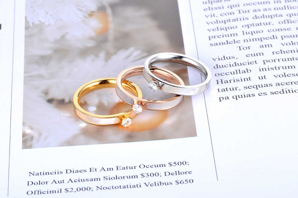 Lokaer แหวนสแตนเลส Rose Gold สี AAA Zircon Shinning Rhinestone & สีขาวสำหรับคริสต์มาสของขวัญผู้หญิง R18146