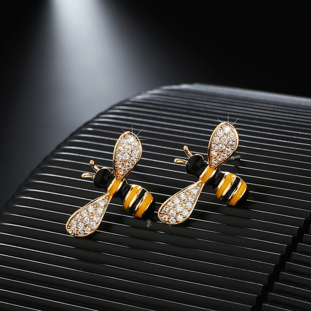 Gold Color 2 Size Bee Pattern Crystal Insect Stud Earrings Women S Usa Europe Australia Best