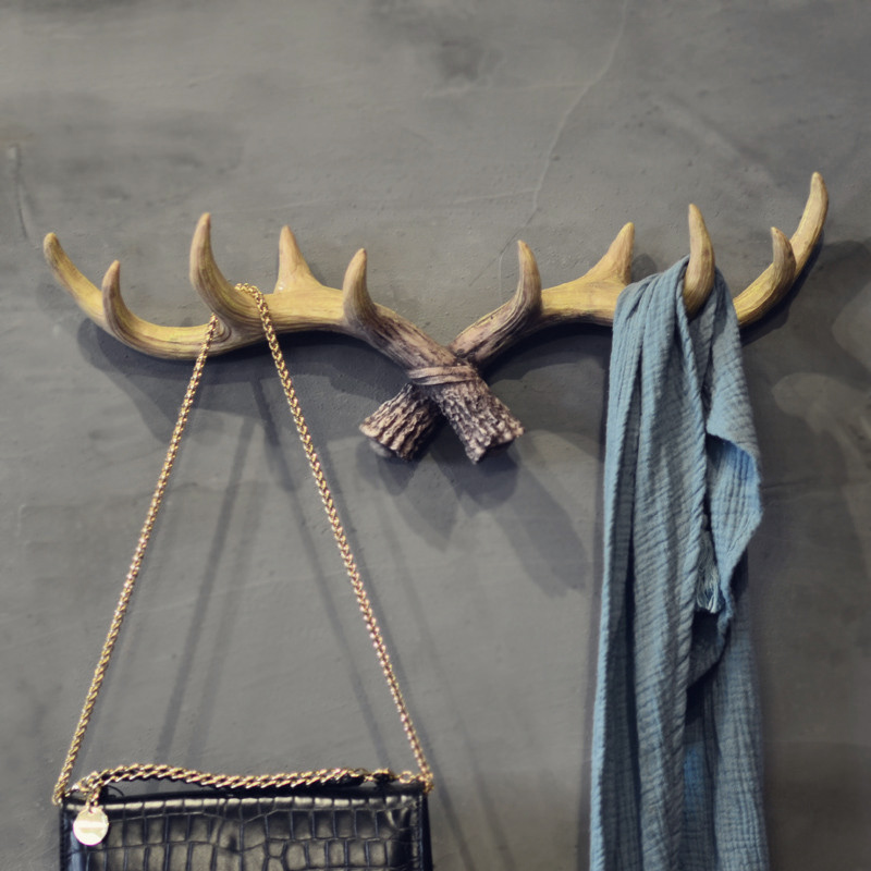 High Quality Antiqued Hook Antlers Decoration Wall Hangings Entrance Creative Clothes Store Door Character Key Classical