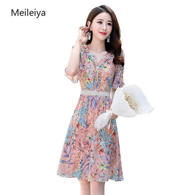 Femmes imprimé robe en mousseline de soie été 2019 nouveau tempérament élégant mince mince en bois oreille col en v diamant robe