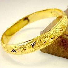 Женский жёлтый золотистый браслет диаметр 6 см