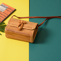 2018 square Straw Bags Women Summer Rattan Bag Handmade Woven Beach Cross Body Bag Circle Bohemia Handbag Bali Box Dropshipping