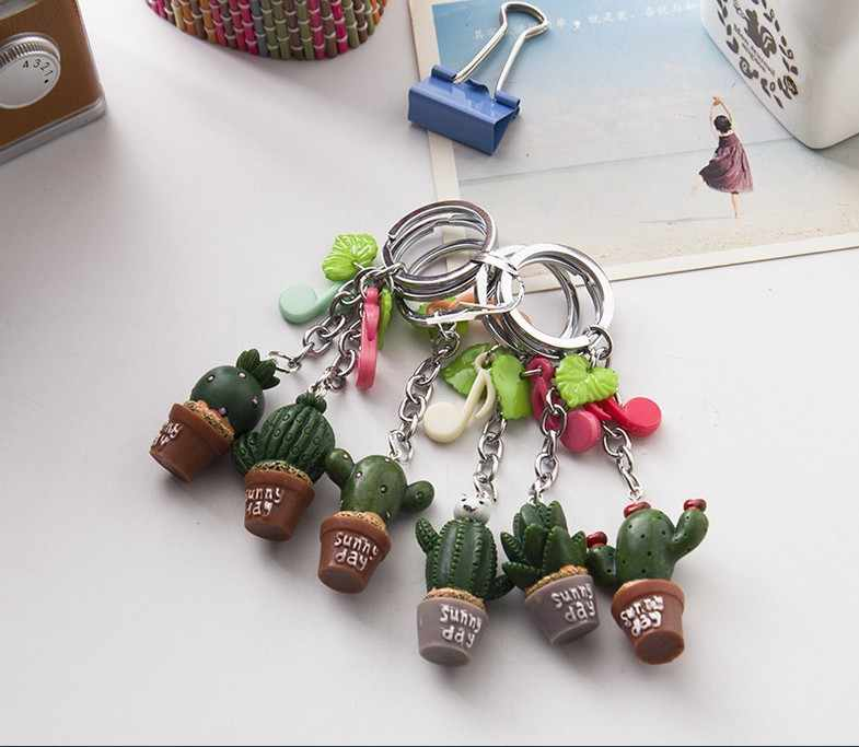 2019 1pc Color random Simulation plant keychain Cute Resin Cactus keyring Green plant pendant Cell Phone Charm Bag Strap Decor