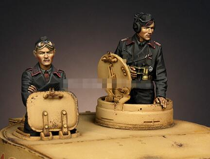 1/35 Resin Figures German Tankman 2pcs/set (no Tank)