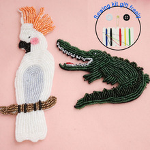 1pc parrot crocodile embroidery beaded patches for clothing Rhinestone animals Patches DIY sew on Embroidery appliques parches