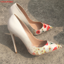 Vinapobo Для женщин Роза с цветочным узором, из лакированной кожи, насосы для печати обувь для вечеринок на высоком каблуке, острый носок цветочный Silettos каблуке с заостренным носком Свадебная обувь