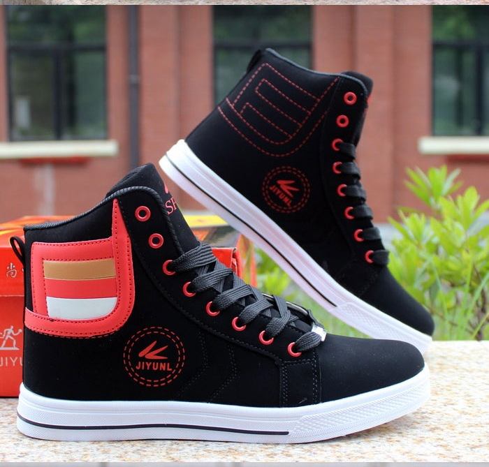 HTB1npU0XjzuK1RjSspeq6ziHVXaz - HUANQIU Brand Men Shoes 2018 Spring Fashion Boots Shoes Man High Top Shoes Men Lace Up Casual Shoe Chaussure Plus size 45 ZLL434