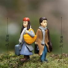 Hight Quality Cartoon mini Resin toys of Turn right to the left Resin Dolls Action Figures