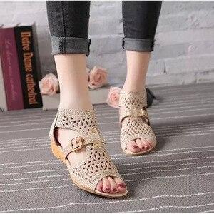 Image 3 - Kadınlar roma sandalet Bling yaz ayakkabı kadın moda takozlar burnu açık toka Sandalias Mujer geri fermuar kadın ayakkabı SH022309