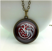 2017 New Game Of Throne Pendant Famille Targaryen Necklace Vintage Photo Jewelry Glass Cabochon Pendants Silver Link ChainHZ1