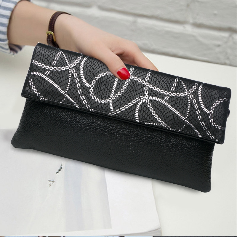 Brands Vintage Serpentine Women Cow Genuine Leather Day Clutches Lady Shoulder Envelope Crossbody Banquet Bags Hand Clutch Bag cowhide genuine leather diamonds lady hand bag small shoulder envelope messenger women clutch bag luxury banquet lady chain bags
