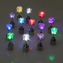 10pcs=5PAIRS Novelty LED Flashing Light Stud Earrings STAINLESS CRYSTAL EARWEAR DECO FOR Chirstmas Festival DANCE PARTY L312